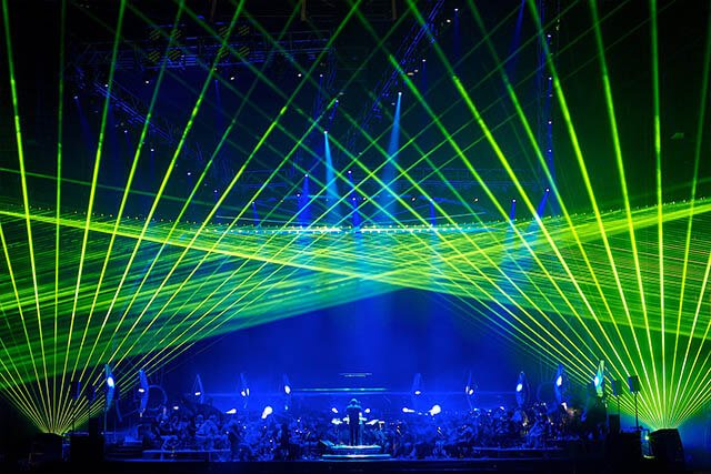 Лазерное шоу на стадионе от студии Cobra