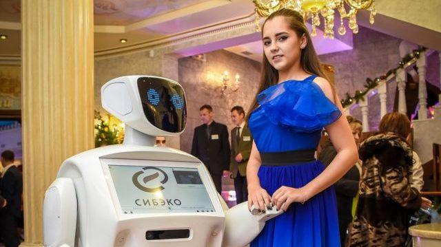 Аренда робота промоутера от cobrashow.ru