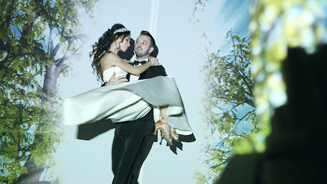 Свадебное проекционное шоу. Первый танец молодых